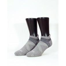 暖陽麻花輕壓力足弓船短襪-淺灰