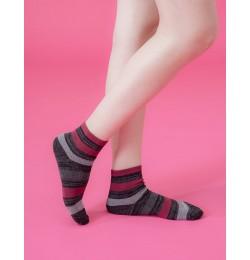 條紋甜心運動氣墊襪-黑色